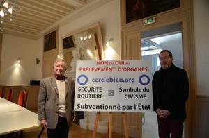 Messieurs Jean-Yves Lalanne, Maire de Billère (à droite) et Georges Cristini, Président du Cercle Bleu.